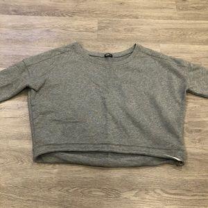TNA Aritzia Cropped Crewneck Sweatshirt Size M